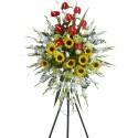 Corona grande con 24 rosas, girasoles y anturios en trípode Recuerdos Rosatel