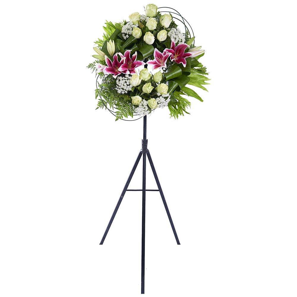 Corona pequeña con Rosas verdes, Liliums y Follaje Recuerdos Rosatel