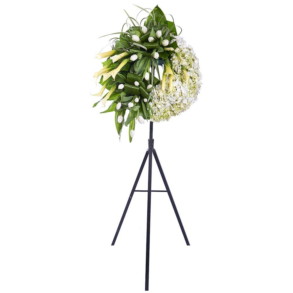 Corona pequeña con Tulipanes, Calas Blancas, Hortensias y Follaje Recuerdos Rosatel
