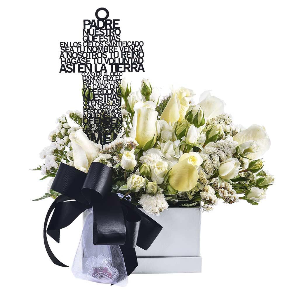 Arreglo con Rosas Denario y varilla Padre Nuestro Recuerdos Rosatel