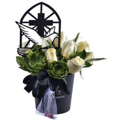Sombrerera Negra con Rosas y Varilla Paloma de la Paz